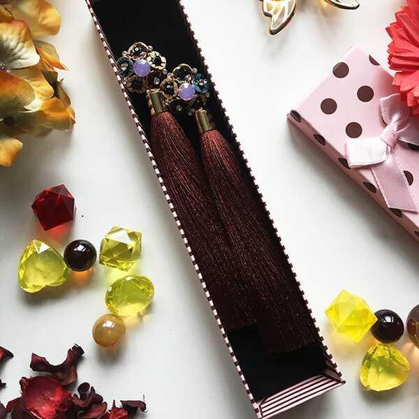 Серьги-кисточки коричневого цвета
