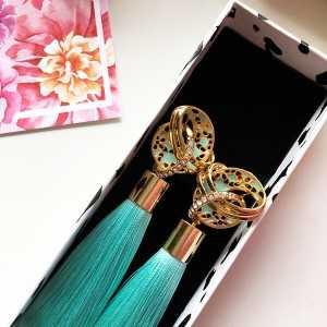 Роскошные дизайнерские серьги-кисти мятного цвета