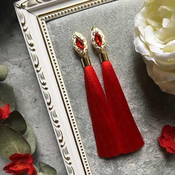 Красные серьги-кисточки