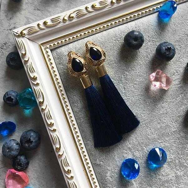 Темно-синие серьги-кисти